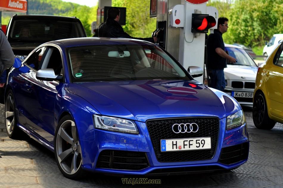 Audi RS5 repostando