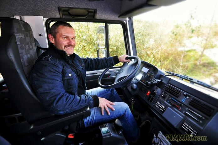 Unimog Conductor Camion Mercedes Benz