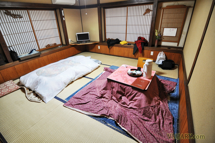 Minshuku-japon-ryokan-suelo-tatami